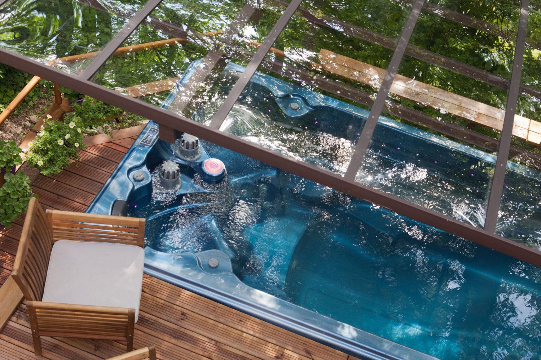 Spa de nage 6 mètres Monozone - Abri et zones de relaxations