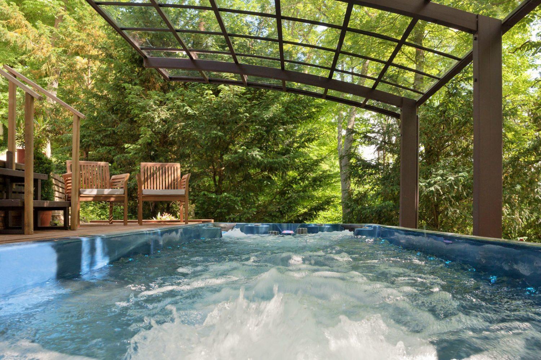 Spa de nage et marquise - Essais